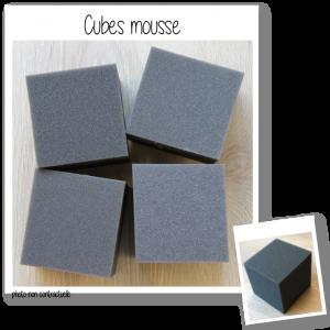 Lot de quatre Cubes en mousse